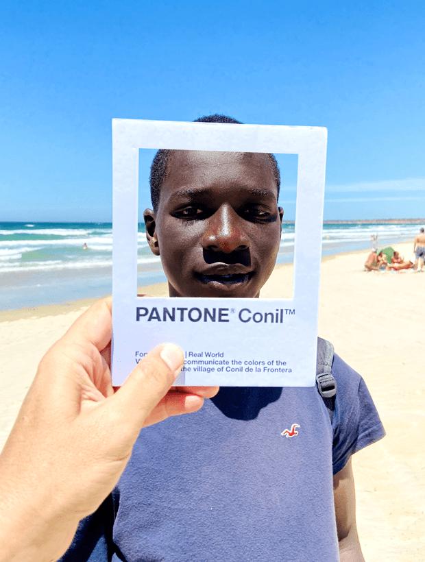 Vendedor. Pantone Conil