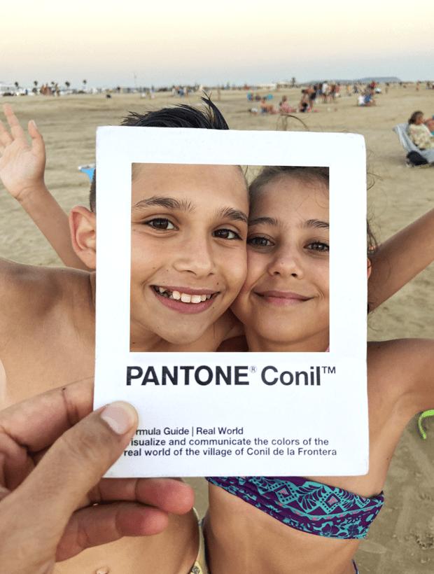 Niños. Pantone Conil